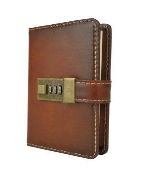 Malý kožený zápisník z prírodnej kože na heslový zámok, ručne tieňovaný, cigarová farba
