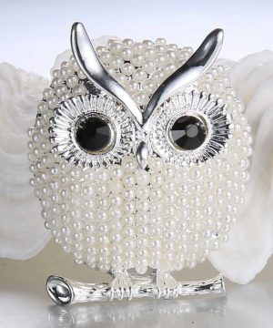 Luxusná brošňa v tvare malej striebornej sovičky