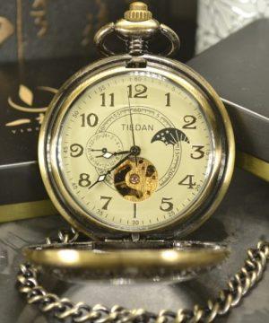 Prepracované vreckové hodinky so samo-naťahovacím mechanizmom