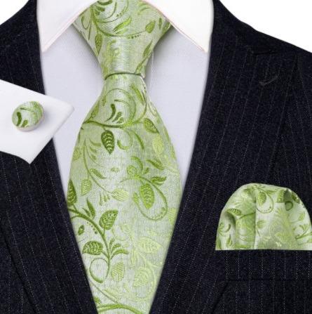 Pánska kravatová sada s gombíkmi a vreckovkou so svetlo zeleným vzorom