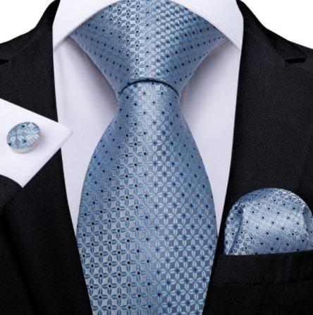 Pánsky kravatový set - kravata, manžety a vreckovka so svetlo-modrým vzorom